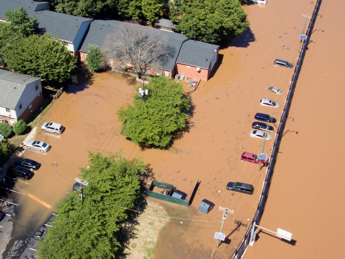 Đoạn đường tại bang New Jersey ngập nước sau trận mưa lớn do hoàn lưu bão Ida. Ảnh: Reuters