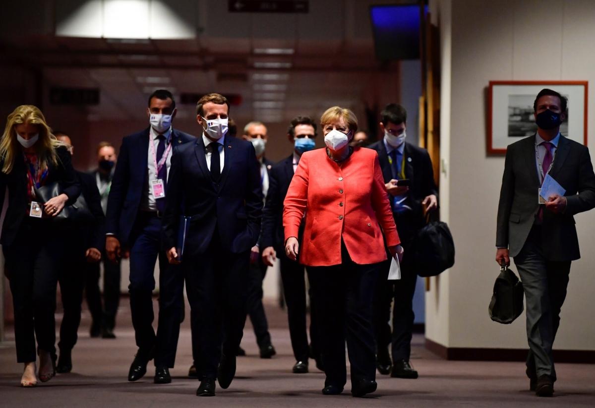 Tổng thống Pháp Emmanuel Macron và Thủ tướng Đức Angela Merkel tại Brussels năm 2020. Ảnh: New York Times