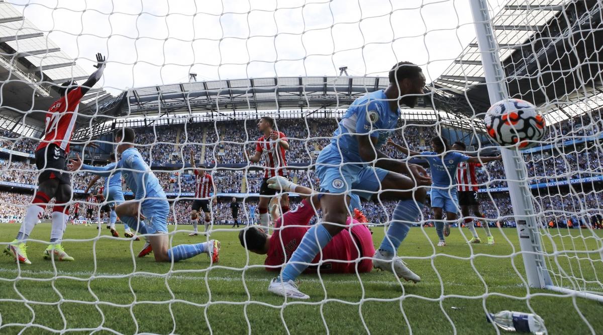 Man City ghi bàn những không được công nhận. (Ảnh: Reuters)