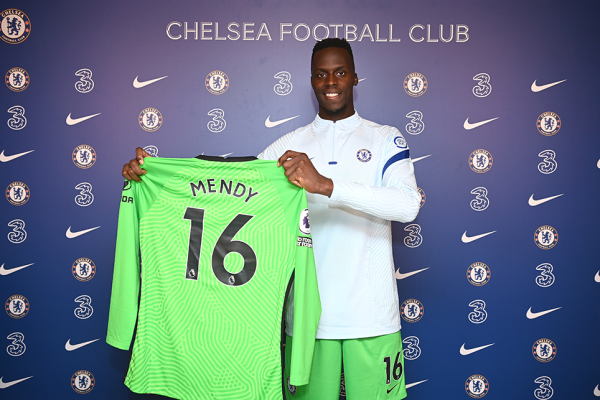 Thủ môn Mendy trong ngày ra mắt Chelsea 1 năm trước. (Ảnh: Getty).