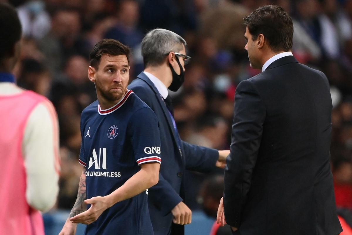 Messi tỏ thái độ với HLV Pochettino khi bị thay ra. (Ảnh: Getty)