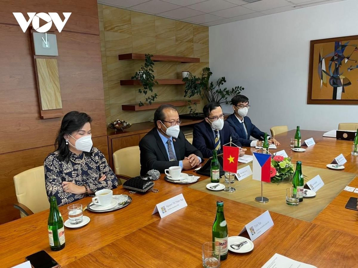 Vietnamese Ambassador to the Czech Republic Thai Xuan Dung expresses his hope that businesses of North Morava province would continue to invest in Vietnam across multiple fields.