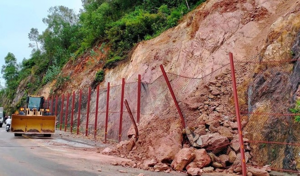 Núi Nguộc ở huyện Thanh Chương xảy ra hiện tượng sạt lở sau mưa lớn