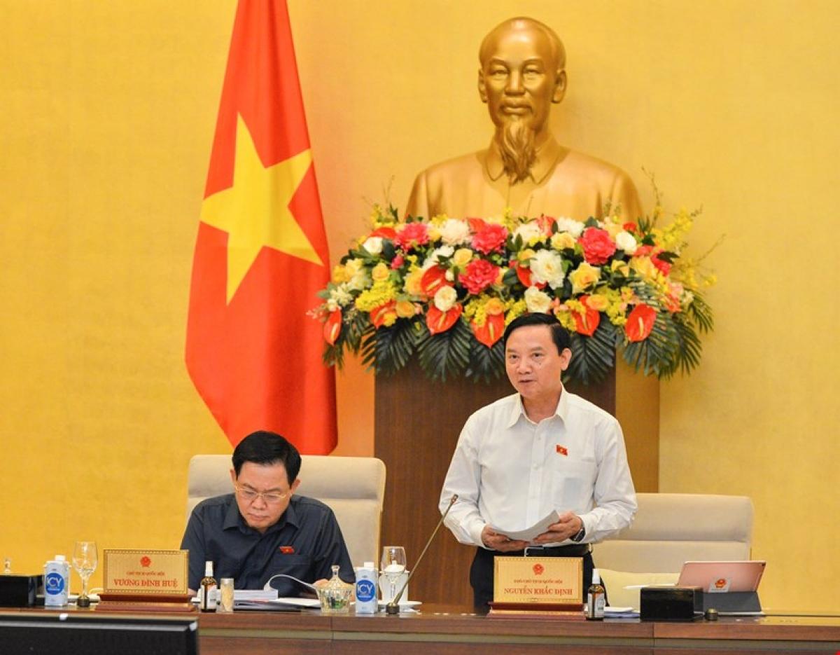 Phó Chủ tịch Quốc hội Nguyễn Khắc Định phát biểu tại phiên họp. Ảnh: Quốc hội