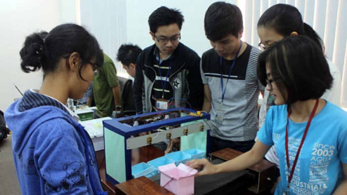 Nguồn nhân lực logistics Việt Nam cần kết hợp xây dựng mô hình nghiên cứu để xác định các nhóm kỹ năng cần thiết. Ảnh minh họa: KT