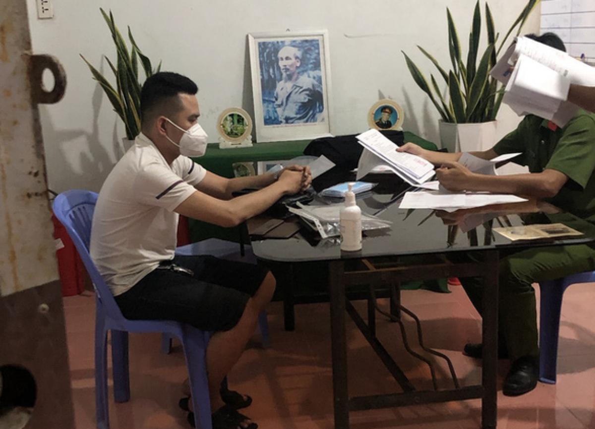 Công an làm việc với Phạm Thành Nhơn.