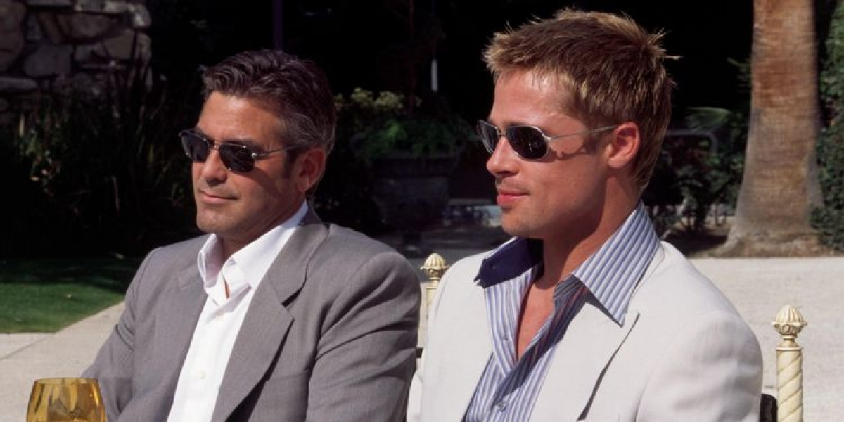 Màn tái hợp của Brad Pitt và George Clooney đã làm bùng lên cuộc cạnh tranh của 11 hãng phim lớn để có được tác phẩm này.