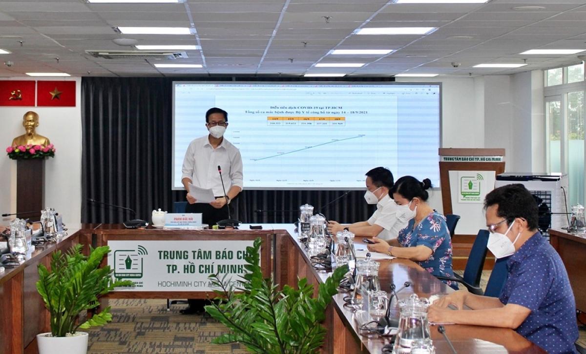 Ông Phạm Đức Hải thông tin về tình hình dịch bệnh tại TP.HCM (Ảnh: Hà An)