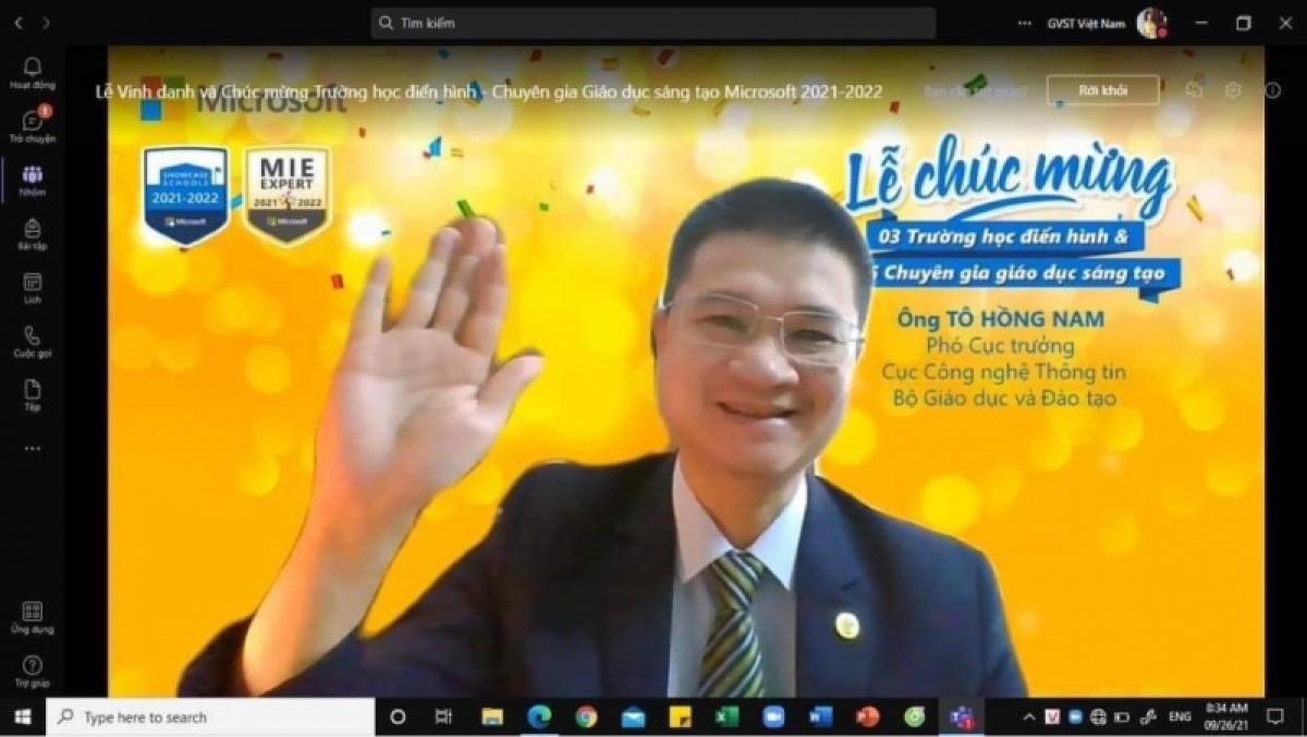 Ông Tô Hồng Nam, Phó Cục trưởng Cục CNTT, Bộ Giáo dục và Đào tạo phát biểu tại buổi lễ.