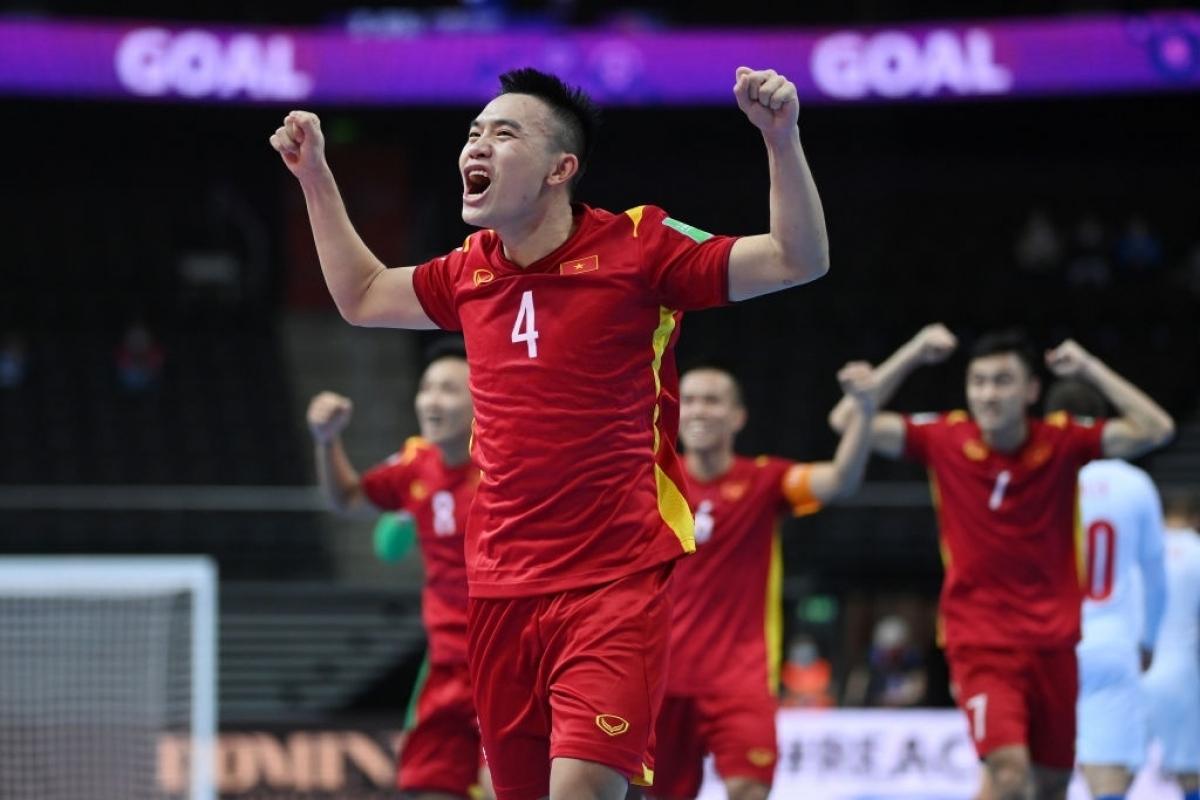 ĐT Futsal Việt Nam có trận hoà CH Séc 1-1 nhờ bàn thắng của Châu Đoàn Phát.