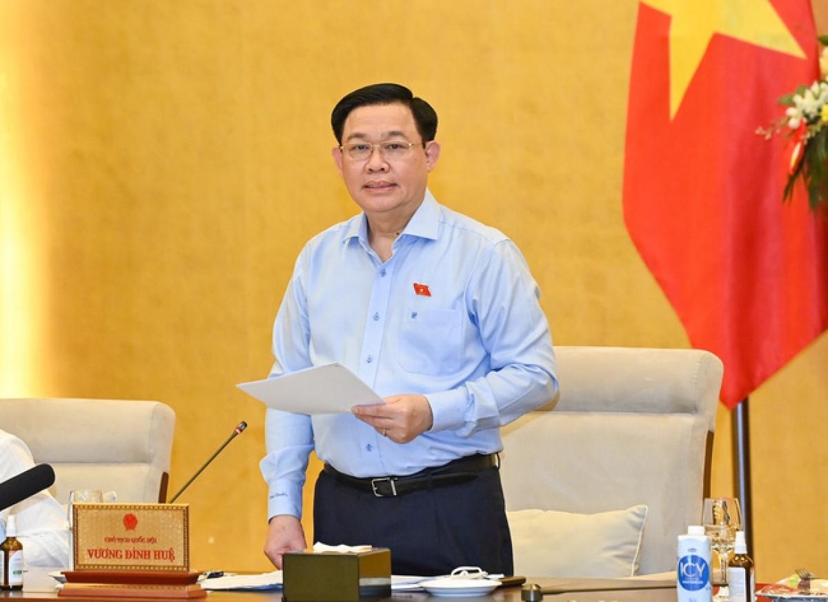 Chủ tịch Quốc hội Vương Đình Huệ chủ trì phiên họp bất thường của Ủy ban Thường vụ