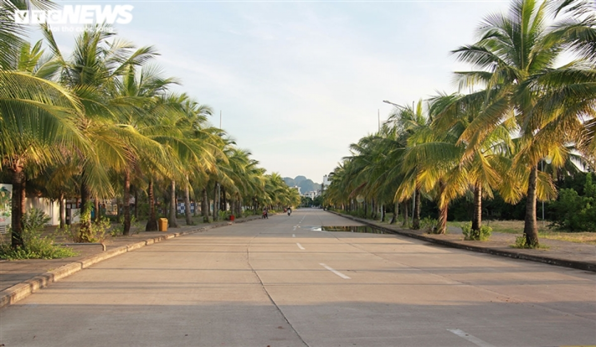 Quang Ninh province has yet to re-open its doors for tourists from other localities, so tourism areas remain in limbo, a clear sign of the impact of the COVID-19 pandemic.