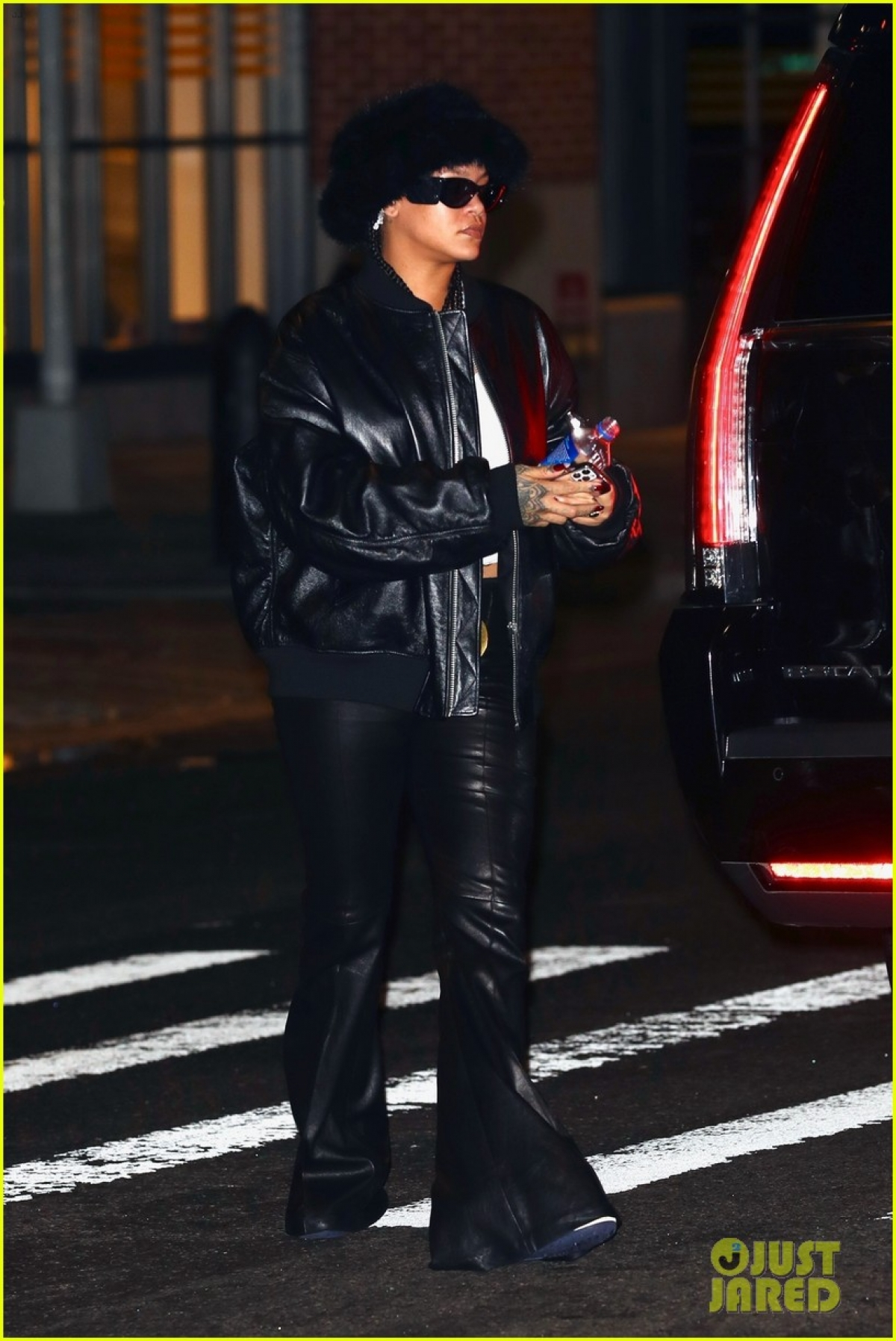 Mới đây, Rihanna được nhìn thấy khi đang đi chơi đêm ở New York.