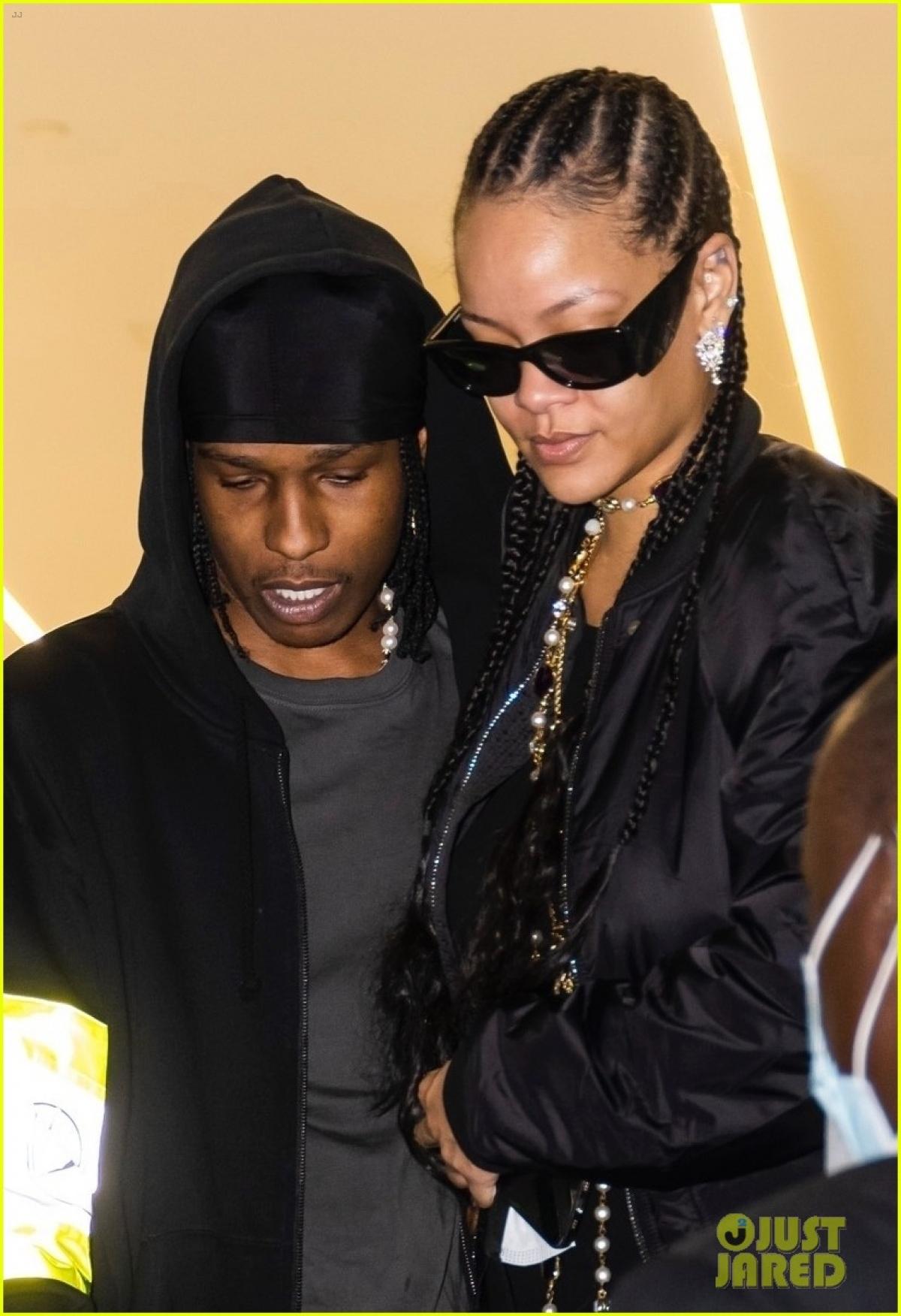 Rihanna đang tận hưởng cuộc sống xa hoa và hạnh phúc bên bạn trai mới - rapper A$AP Rocky.