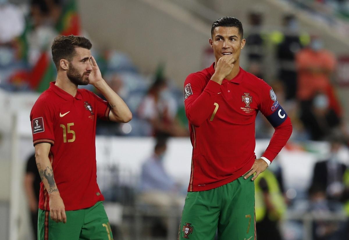 Bồ Đào Nha 2-1 CH Ireland: Ronaldo lập cú đúp, tạo nên kỷ lục của bóng đá  thế giới
