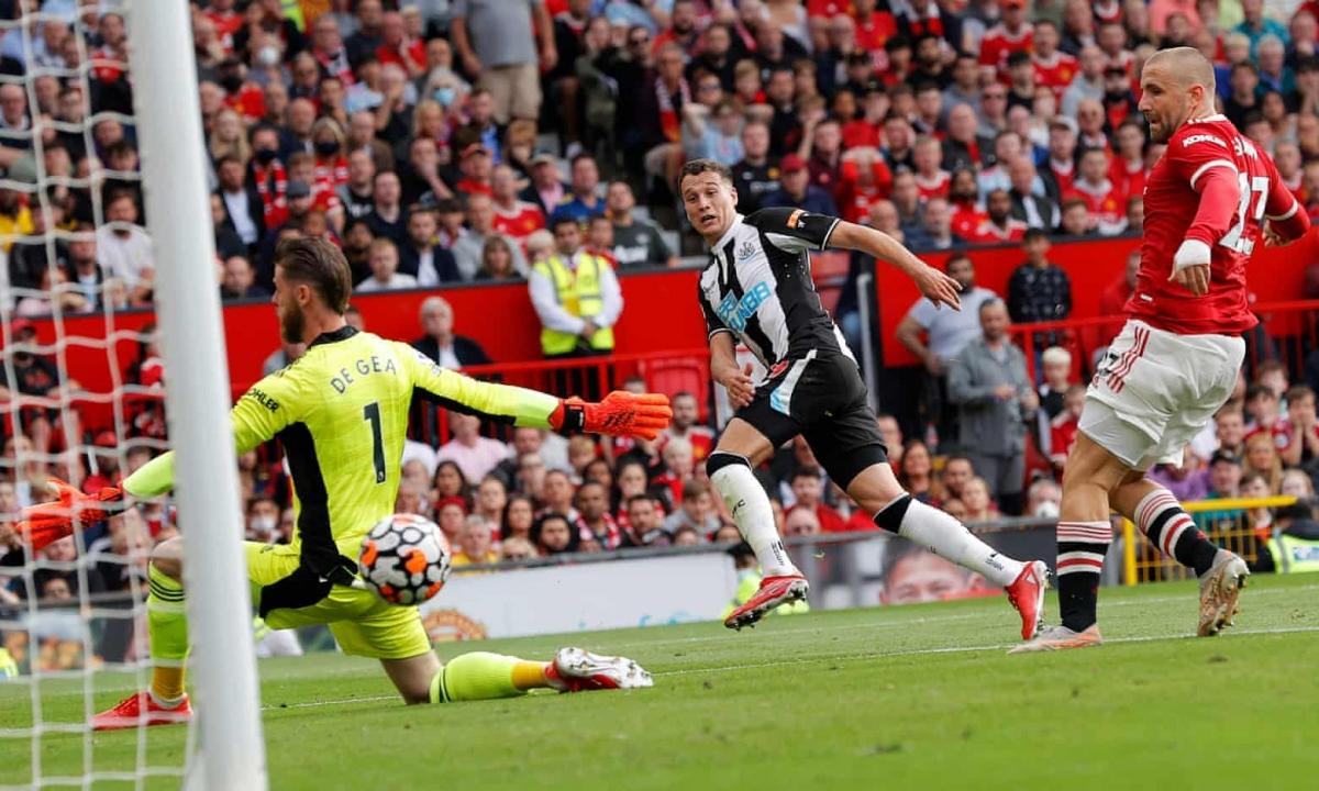 Newcastle thể hiện quyết tâm phá hỏng ngày trở lại của Cristiano Ronaldo với bàn gỡ hoà 1-1 ở phút 56 do công của Javier Manquillo.