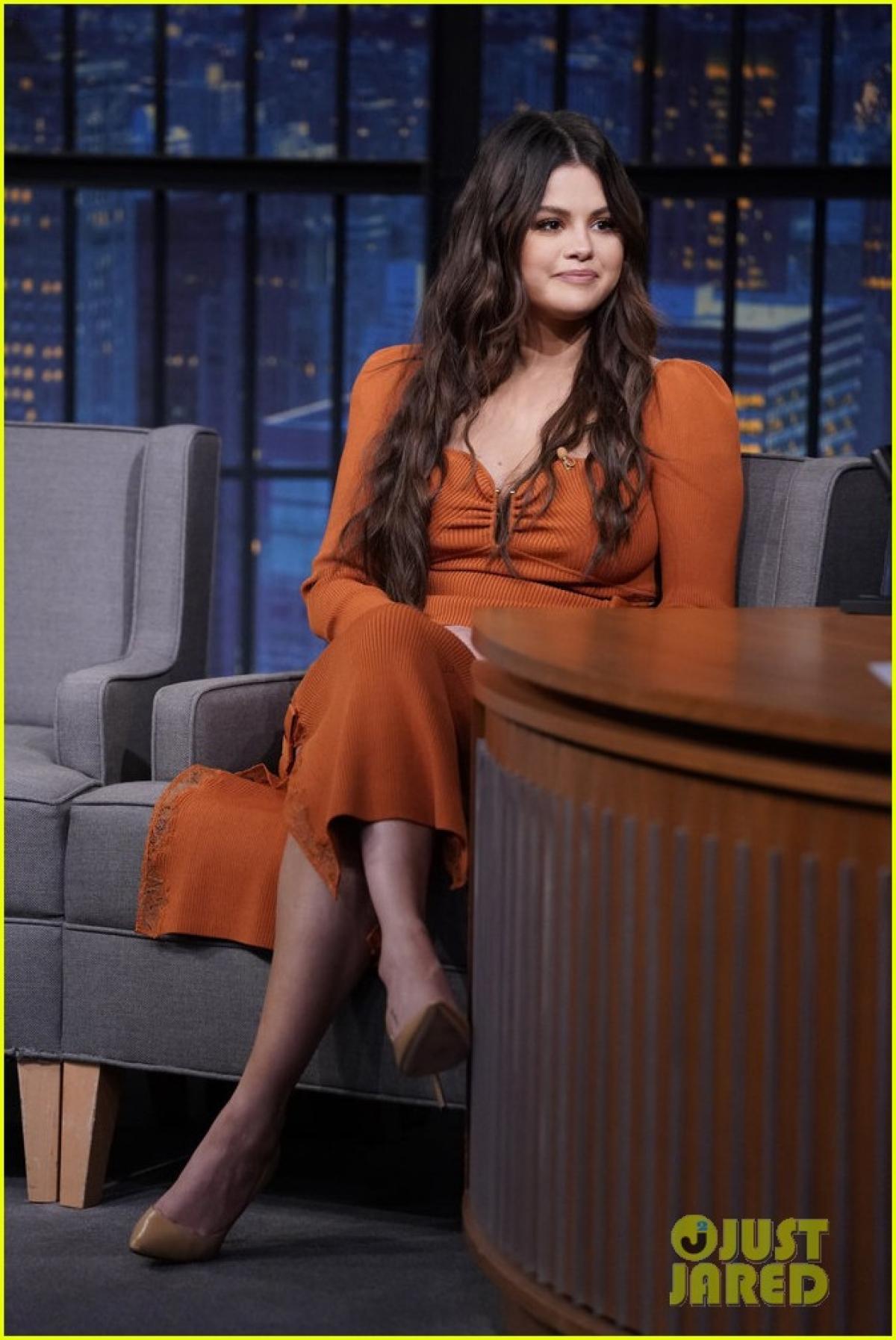 Selena Gomez tăng cân rõ rệt, để lộ thân hình phát tướng