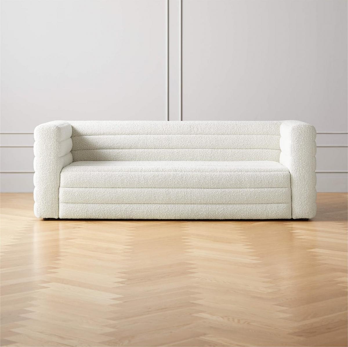 Loại sofa xốp mềm này cũng rất được yêu thích bởi trọng lượng nhẹ nhưng vẫn đảm bảo sự êm ái.