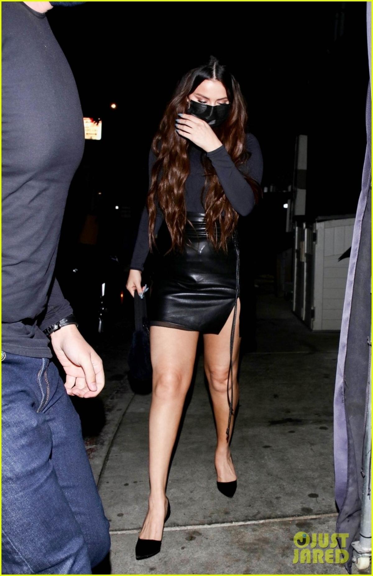 Trong cuộc phỏng vấn với tạp chí Elle số tháng 9, Selena Gomez nói về việc đấu tranh với căn bệnh rối loạn lưỡng cực.