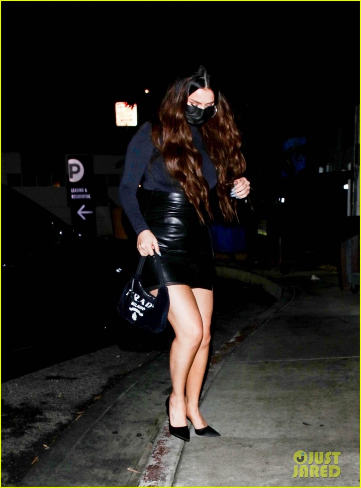 Dễ dàng nhận thấy, Selena Gomez tăng cân hơn hẳn so với trước.