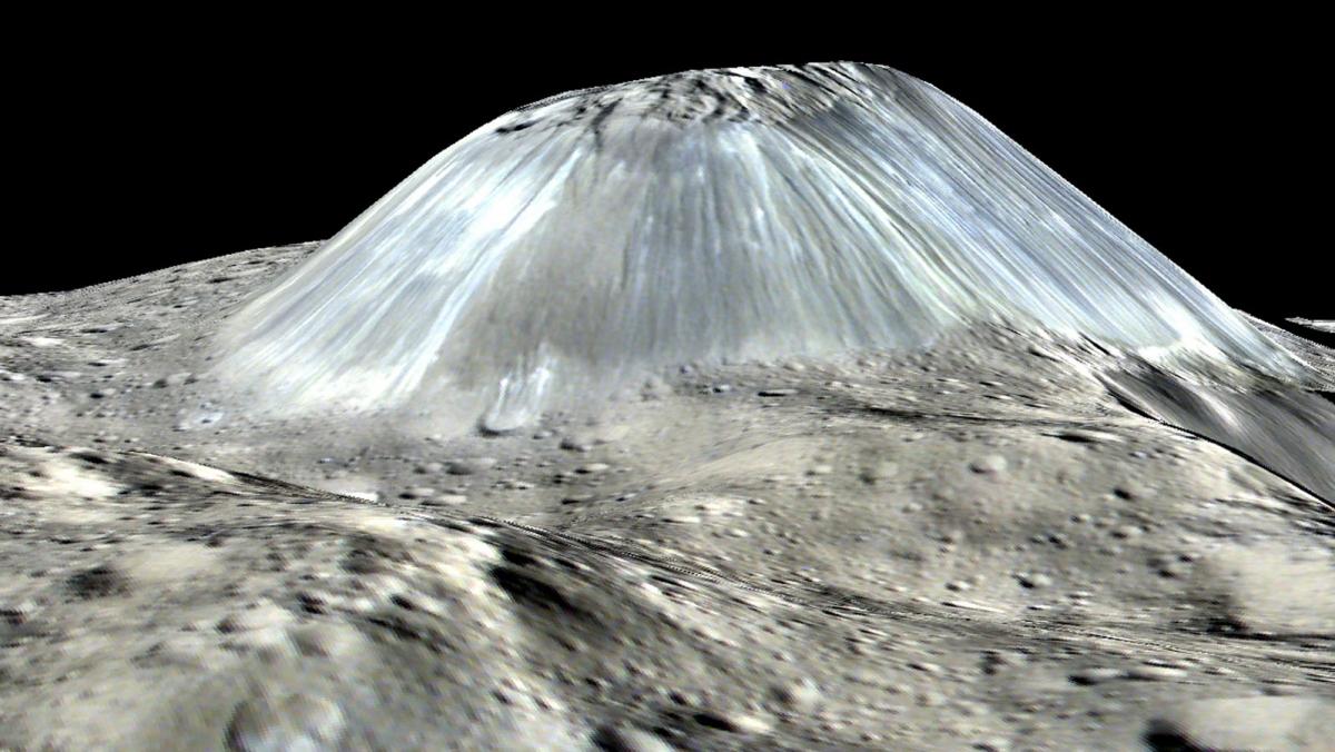 Một ngọn núi đơn với hình dạng kỳ lạ được phát hiên trên hành tinh lùn Ceres.
