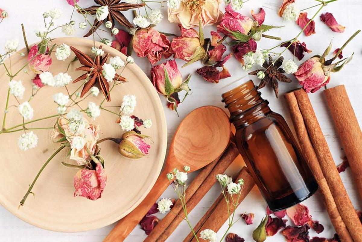 Mùi hương: Nghiên cứu đã chỉ ra rằng những người ngủ trong căn phòng có hương hoa hồng thể hiện khả năng ghi nhớ tốt hơn vào ngày hôm sau so với những người không có trải nghiệm tương tự khi ngủ.