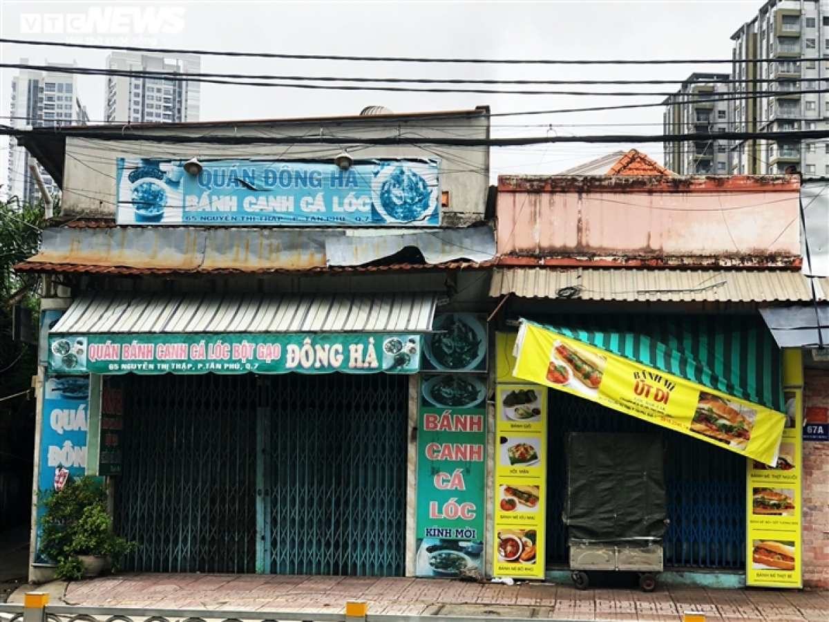These eateries shut down during the social distancing period implemented in Ho Chi Minh City and have no plans of reopening soon because of fears caused by the COVID-19 pandemic.