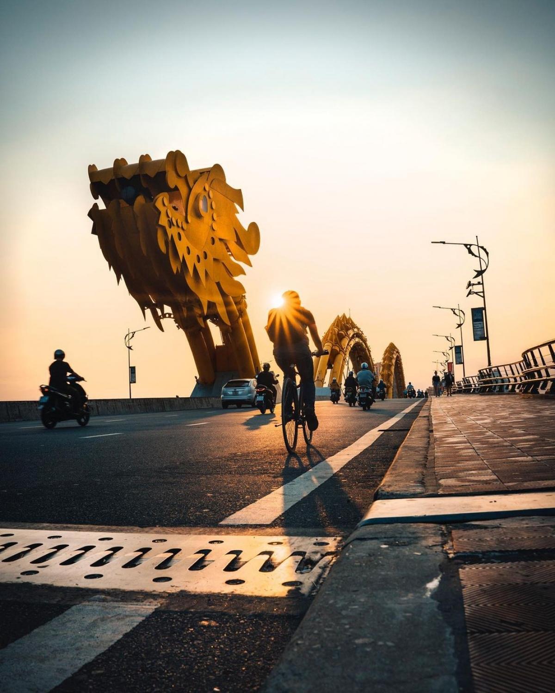 Trên trang Instagram có gần 10.000 người theo dõi, những khung hình củaSteven D'Avignonvề các điểm đến Việt Nam nhận hàng nghìn lượt thích và chia sẻ. Steven D'Avignon tiết lộ, anh nhất định sẽ quay trở lại Việt Nam ngay khi có thể./.