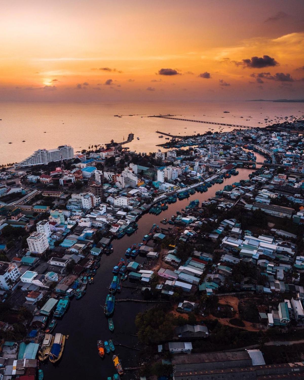 Một góc đảo Phú Quốc được nhiếp ảnh gia Steven D'Avignon chụp từ trên cao.