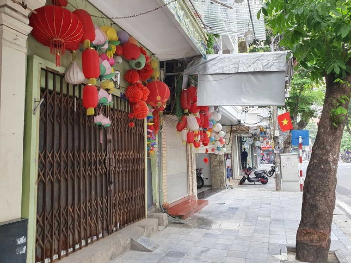 Familiar images such as crowds purchasing lanterns and toys ahead of the festival are no longer seen this year.