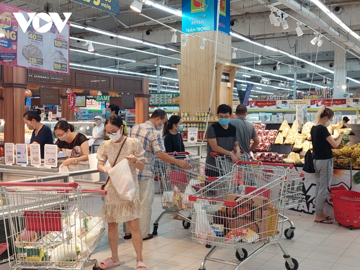 Due to crowds of customers descending on supermarkets it has become increasingly hard to ensure people keep a safe distance between each other.