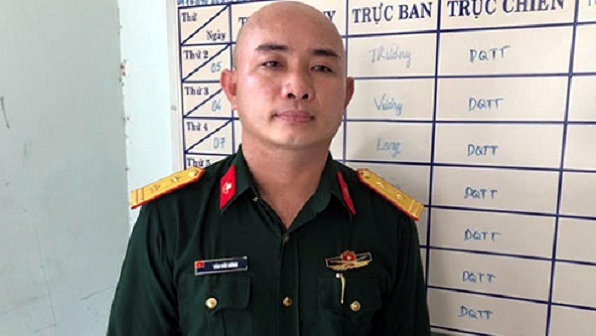 Đối tượng Văn Đức Hùng giả danh Bộ đội đặc công. Ảnh: Công an tỉnh Đồng Nai.