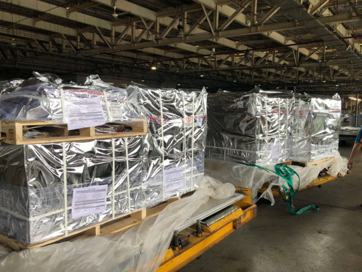 A batch of 100,000 vials of remdesivir arrives in Tan Son Nhat airport on August 29 (Photo: E.C.P)