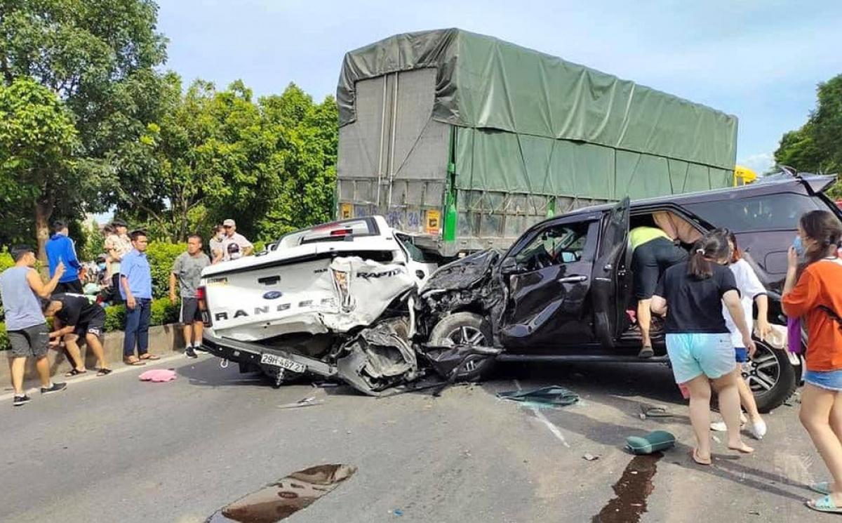 So với 4 ngày cùng kỳ năm 2020, số vụ tai nạn giao thông năm nay giảm 66 vụ (53,6%), giảm 31 người tử vong (56,3%) và giảm 65 người bị thương (62,5%).