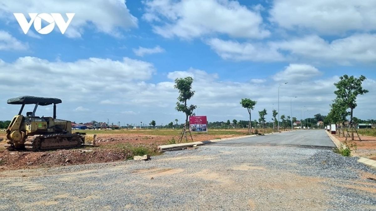 Trong các lần sửa đổi Luật Đất đai gần đây, đã xảy ra nhiều tranh luận về việc Nhà nước có được thu hồi đất phục vụ mục tiêu phát triển kinh tế - xã hội hay không? (Ảnh minh họa).