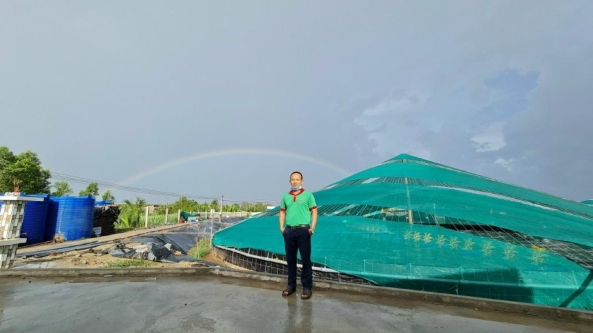 Ông Ngô Minh Tuấn ở xã Phú Thạnh, huyện Tân Phú Đông là người đi đầu trong tôm công nghệ cao ở tỉnh Tiền Giang.