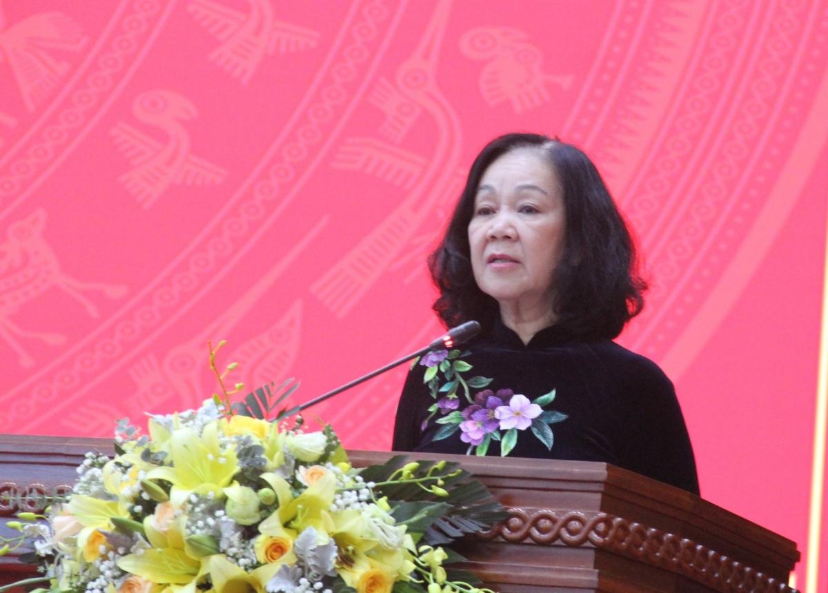 Trưởng Ban Tổ chức Trung ương Trương Thị Mai tin tưởng tân Bí thư Tỉnh ủy Cao Bằng sẽ phát huy năng lực, cùng Ban Chấp hành Đảng bộ tỉnh đưa Cao Bằng phát triển hơn trong thời gian tới.