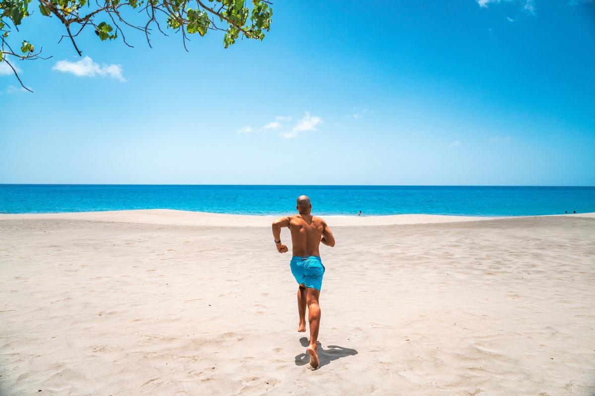 """Du khách gần như """"độc quyền"""" các bãi biển. Nguồn: Patrick Bennett/Uncommon Caribbean."""