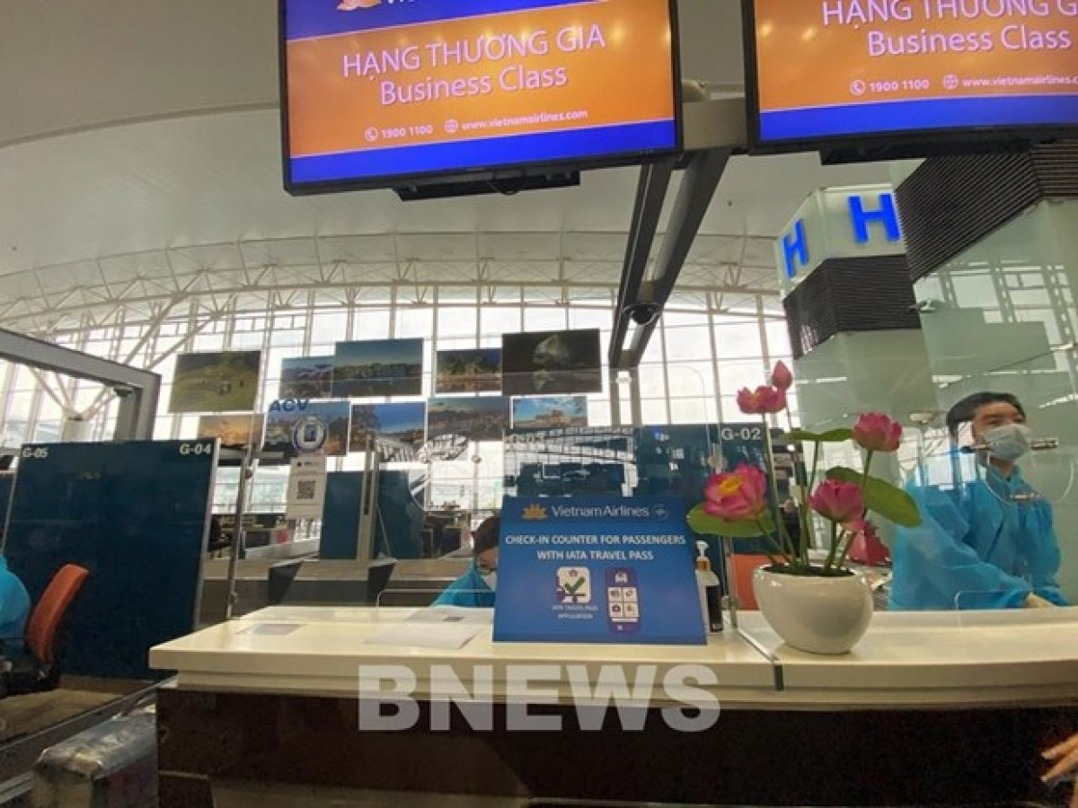 A checkin booth of Vietnam Airlines at an airport (Photo: VNA)