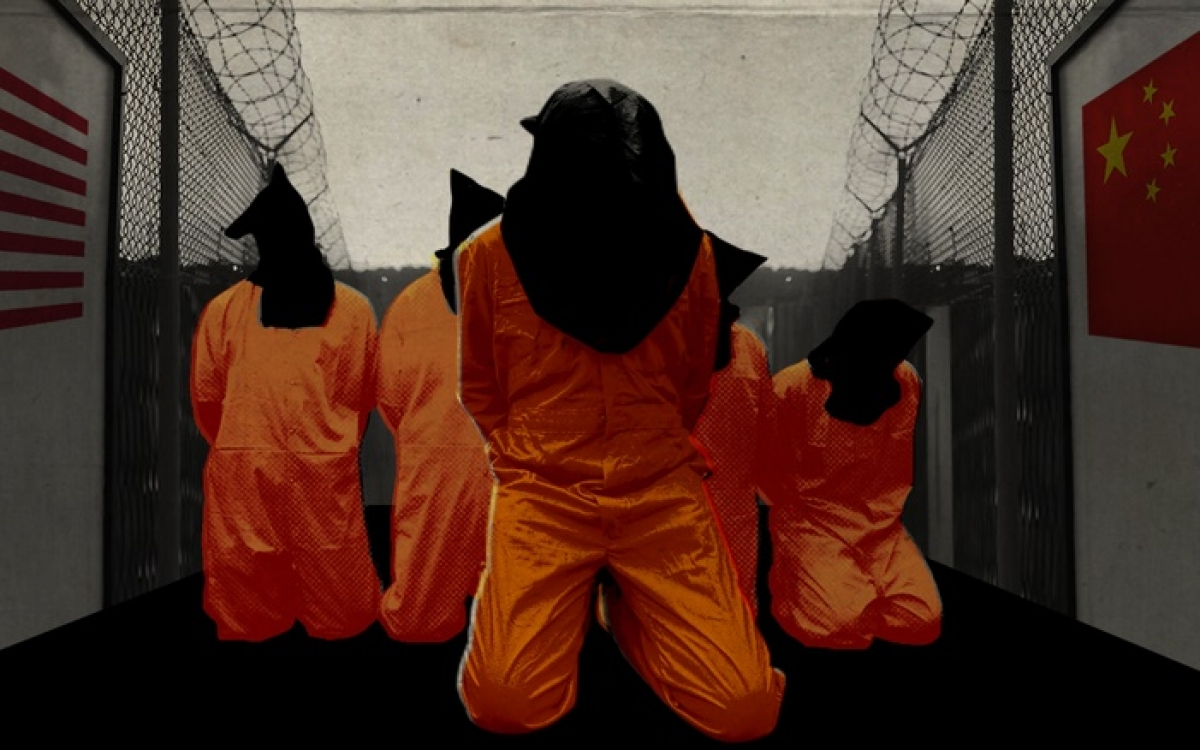Các tù nhân Duy Ngô Nhĩ trong nhà tù Guantanamo của Mỹ. Ảnh: Getty.