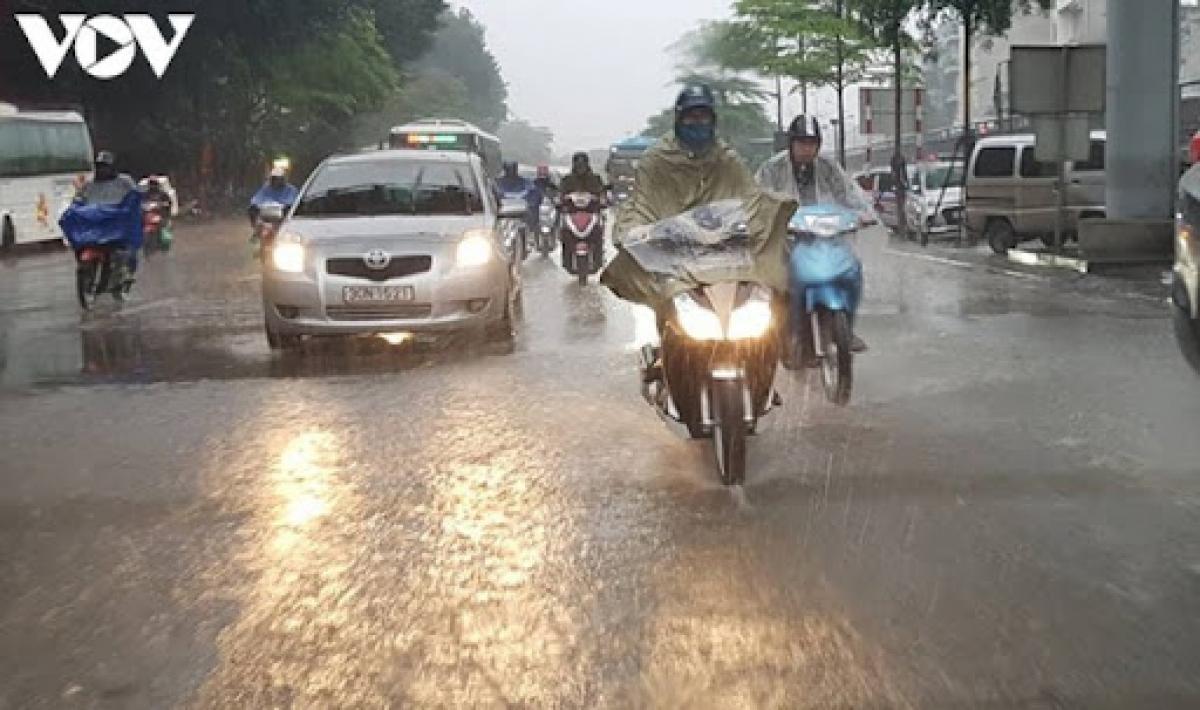 Các tỉnh, thành phố trong cả nước ngày và đêm 18/9 có mưa rào và rải rác có dông.
