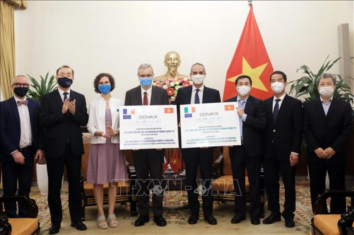 Vietnam receives1.5 million doses of the AstraZeneca COVID-19 vaccine donated by France and Italy via the COVAX Facility