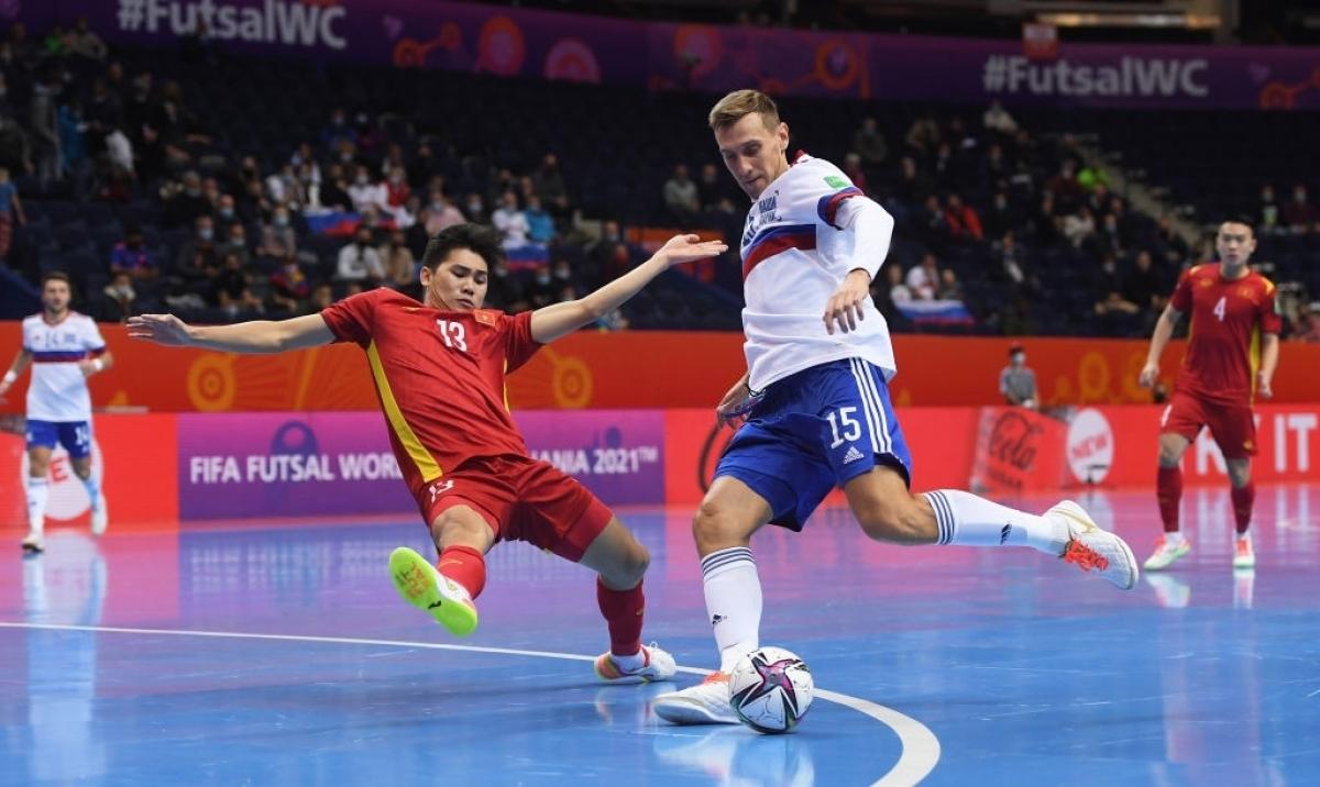 Cột dọc 2 lần cứu thua cho ĐT Futsal Việt Nam. (Ảnh: Getty).