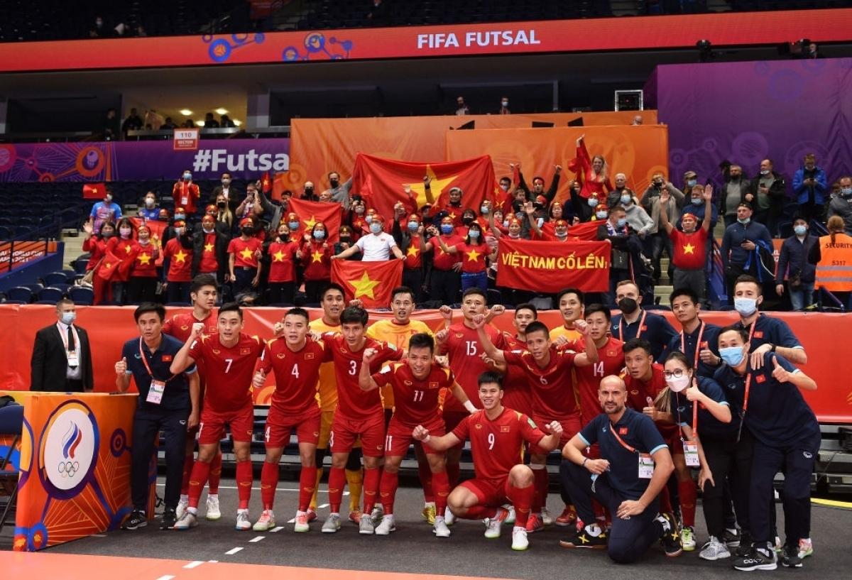ĐT Futsal Việt Nam có trận đấu xuất sắc trước đối thủ Nga. (Ảnh: Getty).