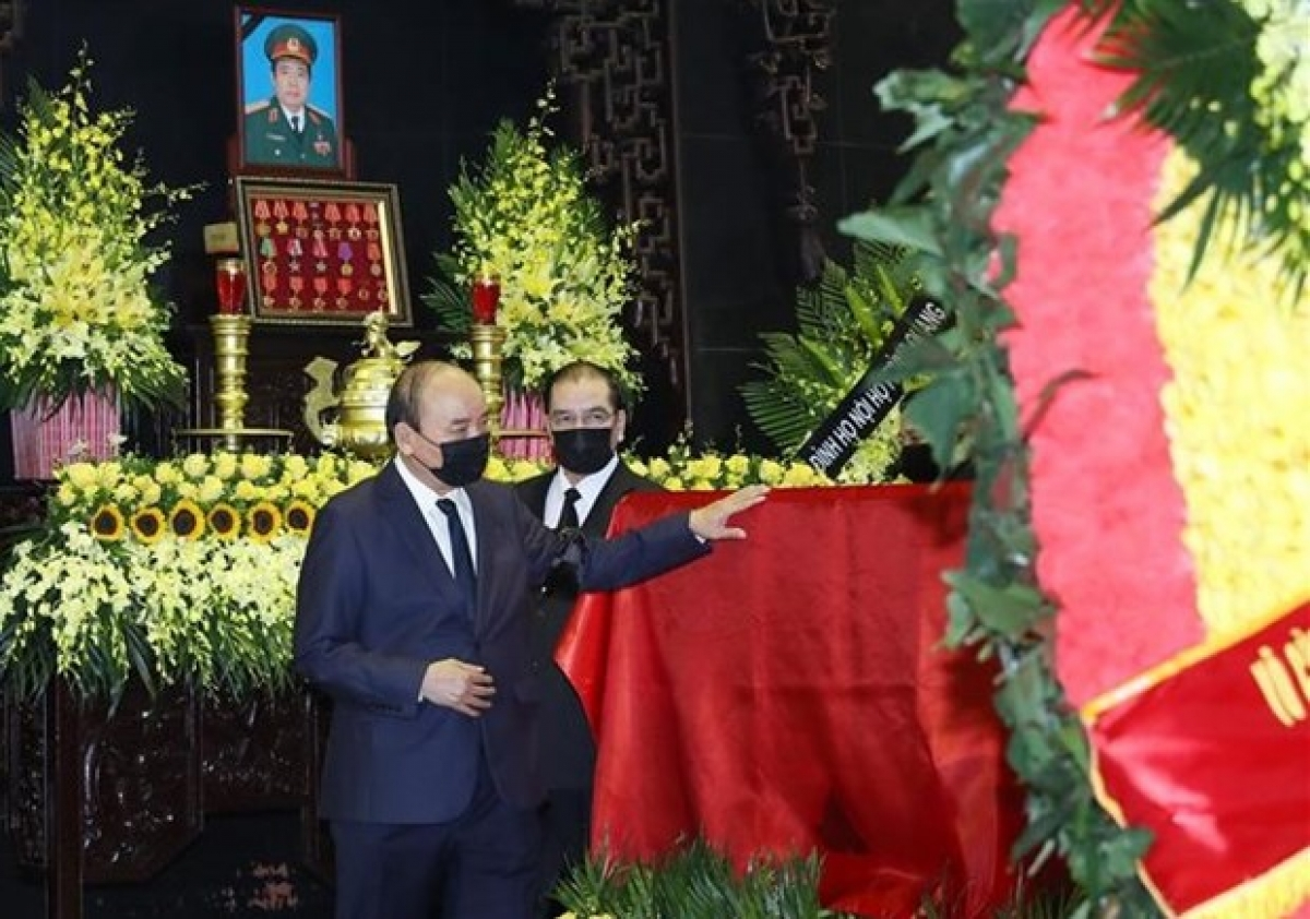 Many incumbent and former senior leaders attend the funeral to bid farewell to General Phung Quang Thanh. (Photo: VNA)