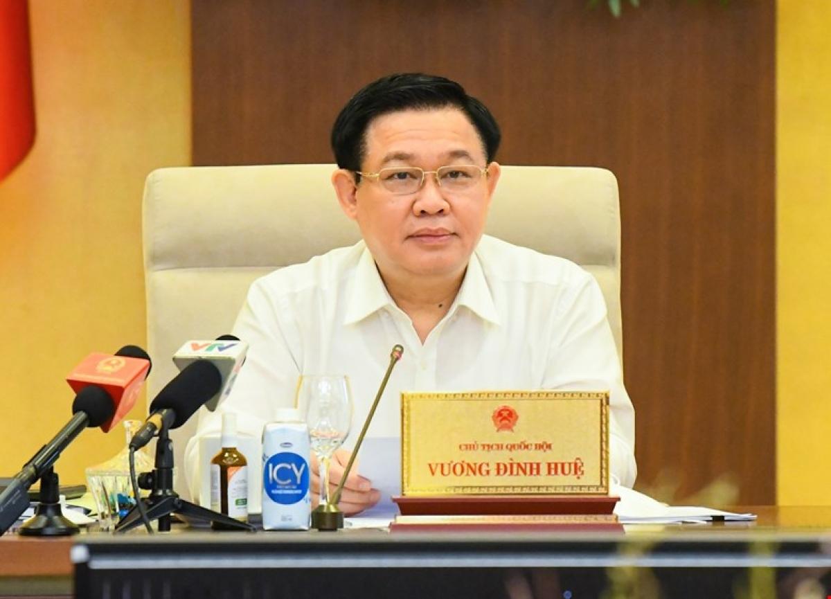 Chủ tịch Quốc hội Vương Đình Huệ phát biểu tại phiên họp. Ảnh: Quốc hội