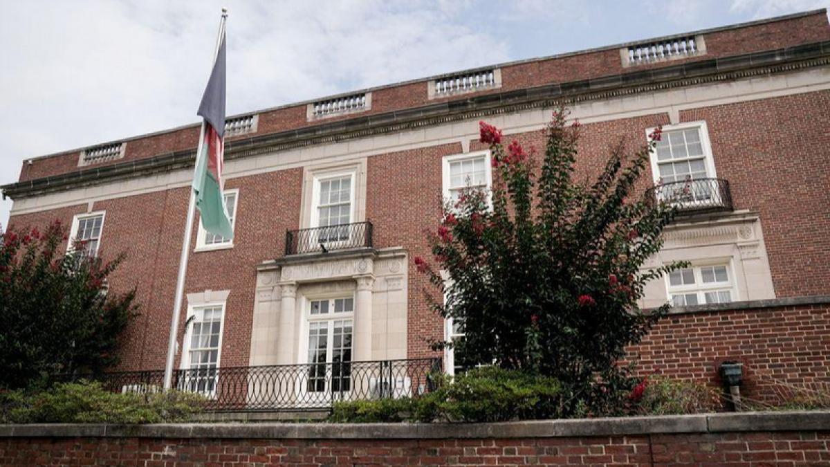 Đại sứ quán Afghanistan tại Washington (Mỹ). Ảnh: Reuters.