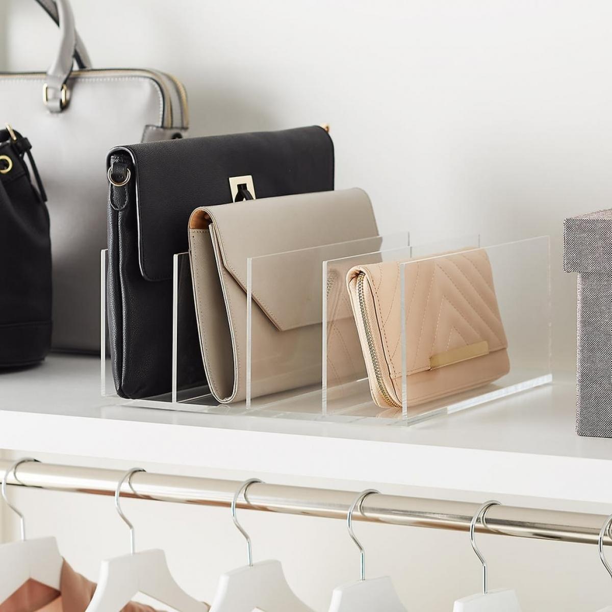 Nếu không muốn cho túi vào hộp, bạn có thể mua những khay đựng thẩm mỹ này.