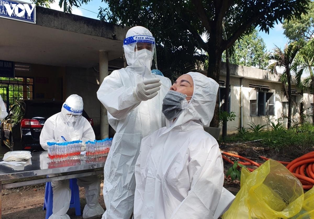 Xét nghiệm COVID-19 tại Bệnh viện Tâm thần Trung ương 2 (Ảnh: CDC Đồng Nai)