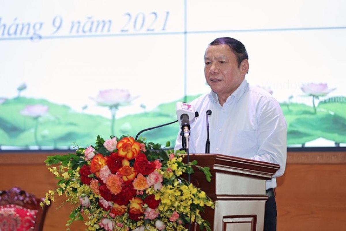 Bộ trưởng Nguyễn Văn Hùng phát biểu tại diễn đàn.